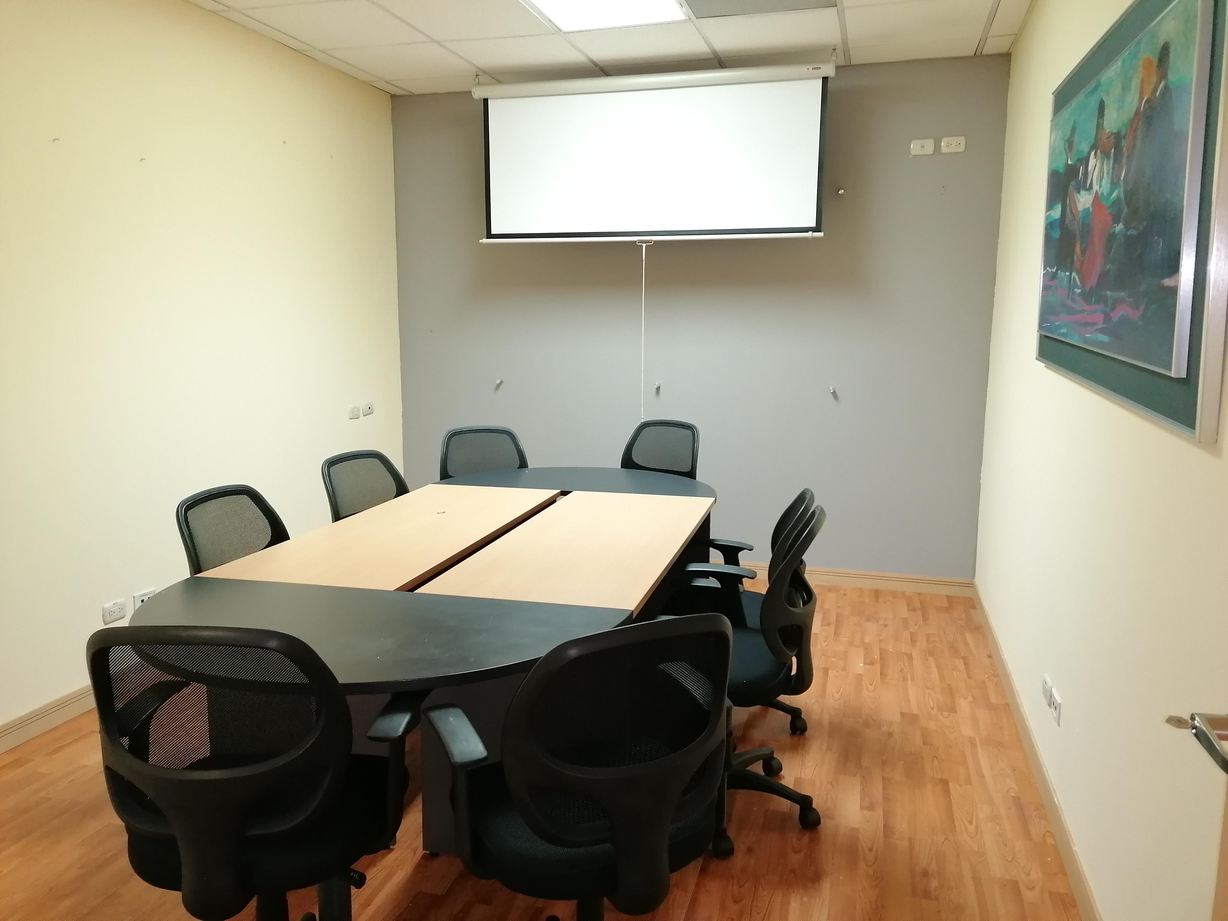 Amplia oficina en renta en Zona Pradera de 195.72 Mts2