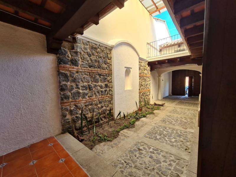 CityMax Antigua vende casa en residencial de Jocotenango Sac