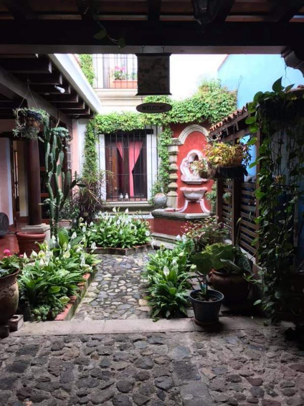 CityMax renta casa amueblada en residencial de Jocotenango