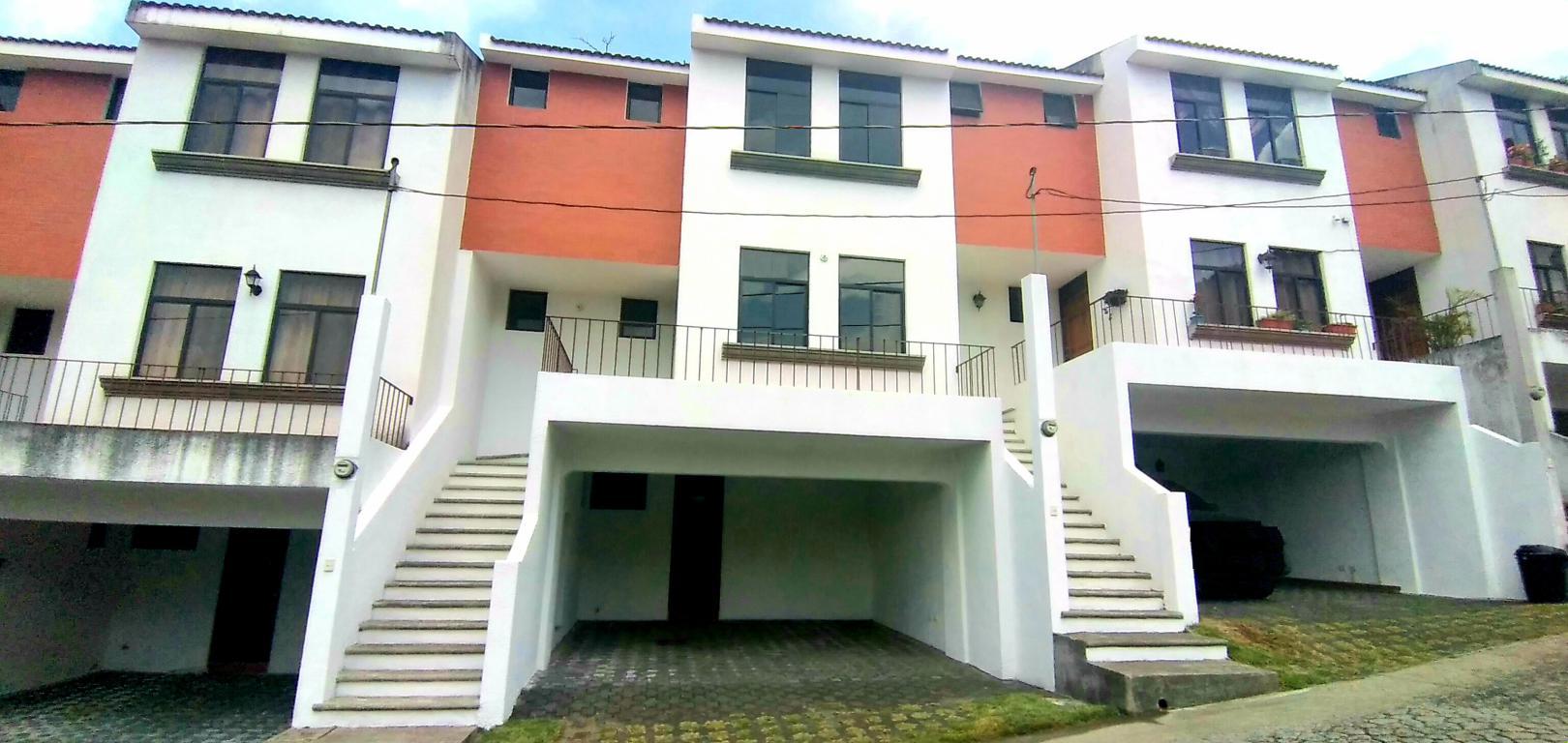 CityMax Antigua vende casa con financiamiento en San Lucas Sacatepéquez