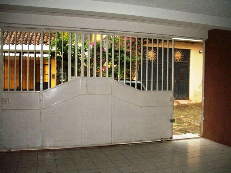 CityMax Antigua renta casa en Santa Lucia Milpas Altas