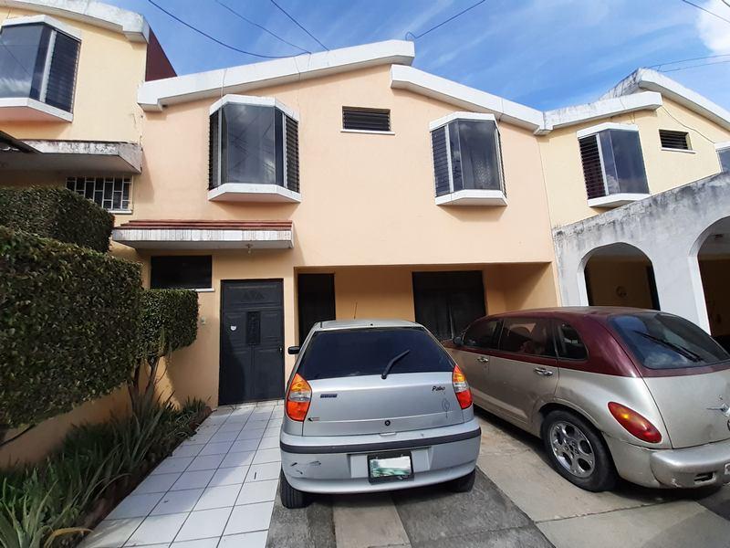 Casa en Venta en San Cristóbal Zona 8 de Mixco