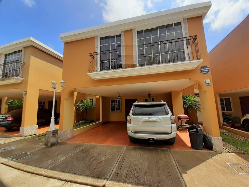 cityMax Mix Vende Casa Amueblada en Zona 16 Guatemala