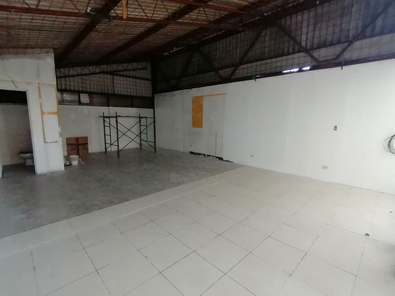Local Comercial en Renta en Calzada San Juan Zona 7
