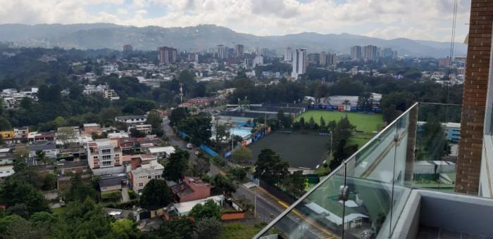 Apartamento con jardín en renta en zona 10 Guatemala