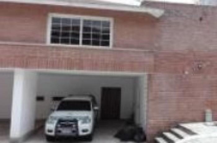 Casa en Venta en Santa Catarina Pinula en Condominio