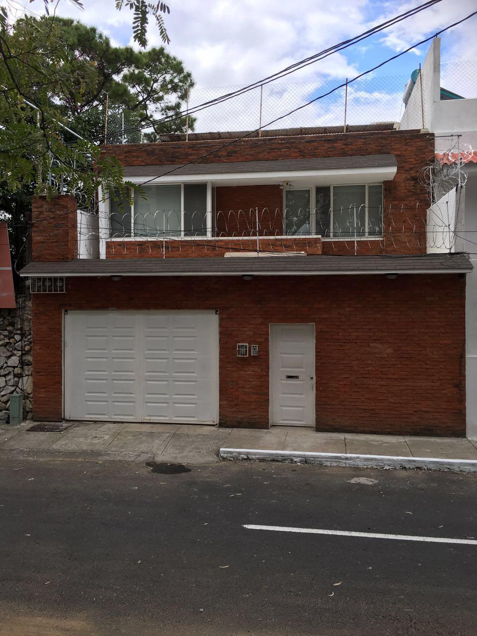Casa en renta sobre la Simeon Cañas zona 2