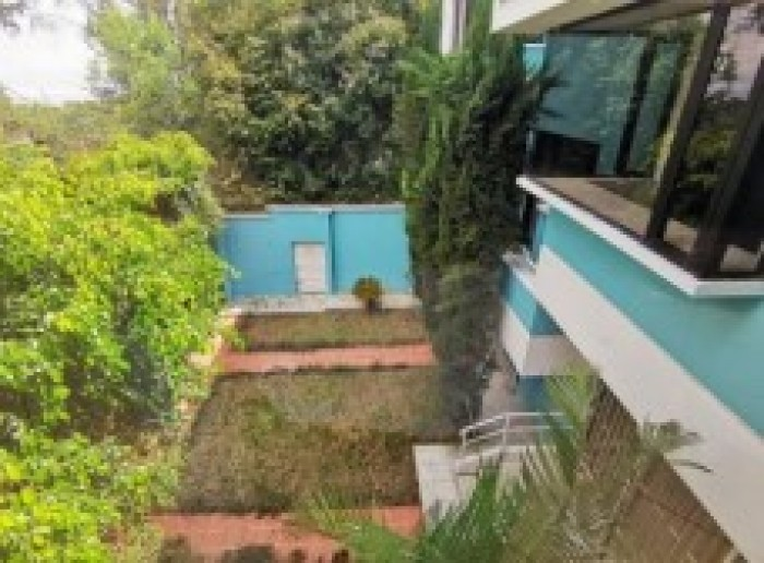 Casa en Venta en zona 10 de Mixco Guatemala