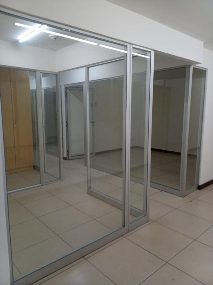 Oficina Comercial en Renta en zona 9 Guatemala Renta