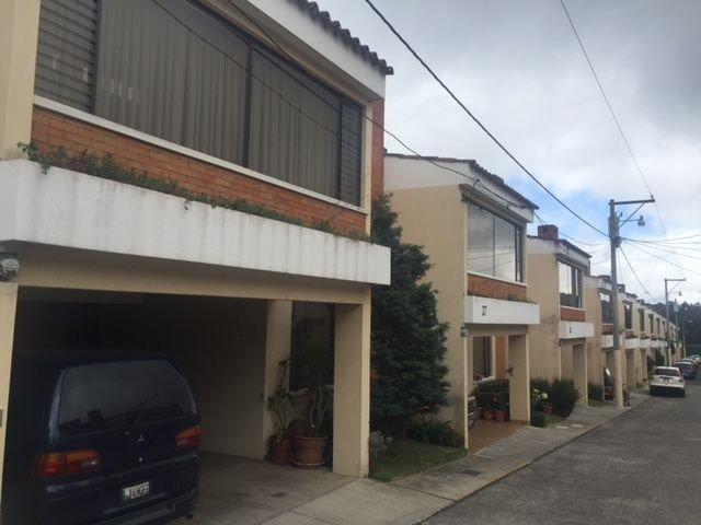 Casa en venta en condominio Carretera el Salvador