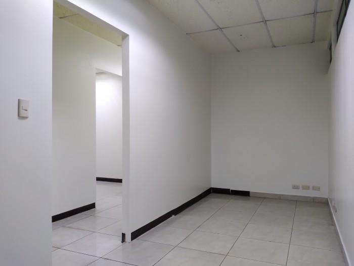 Oficina en renta con muy buena ubicación en zona 9.