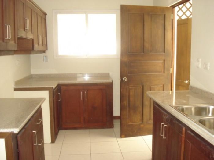 Casa en venta en Condominio de zona 16 Guatemala