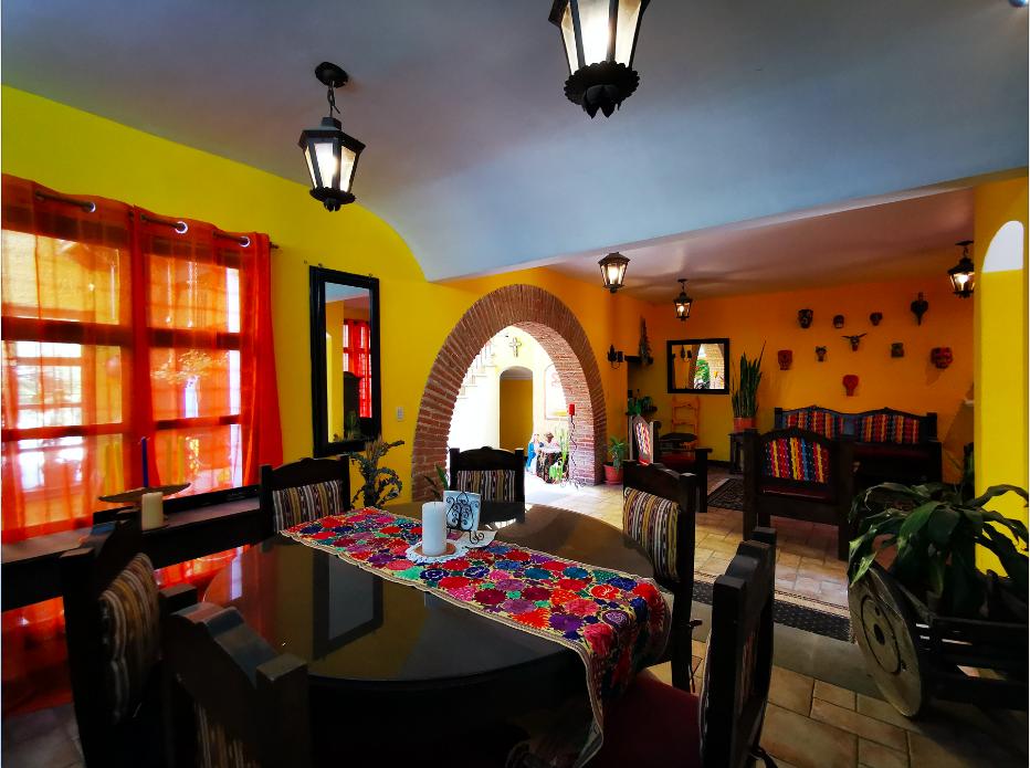 Alquiler de casa en Antigua dentro de residencial.