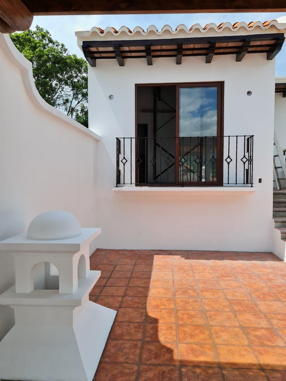 Preciosa casa en renta dentro de un exclusivo y céntrico residencial