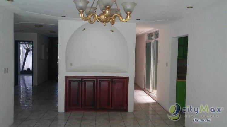 Venta de Casa Grande en Condominio Terravista