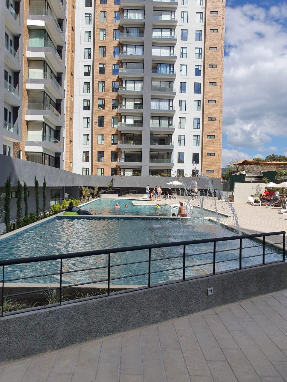 Apartamento en RENTA PARQUE 15