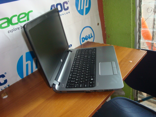 LAPTOP HP  CORE i3 4TA GENERACION 8GB DE MEMORIA RAM DISCO DURO DE 500GB