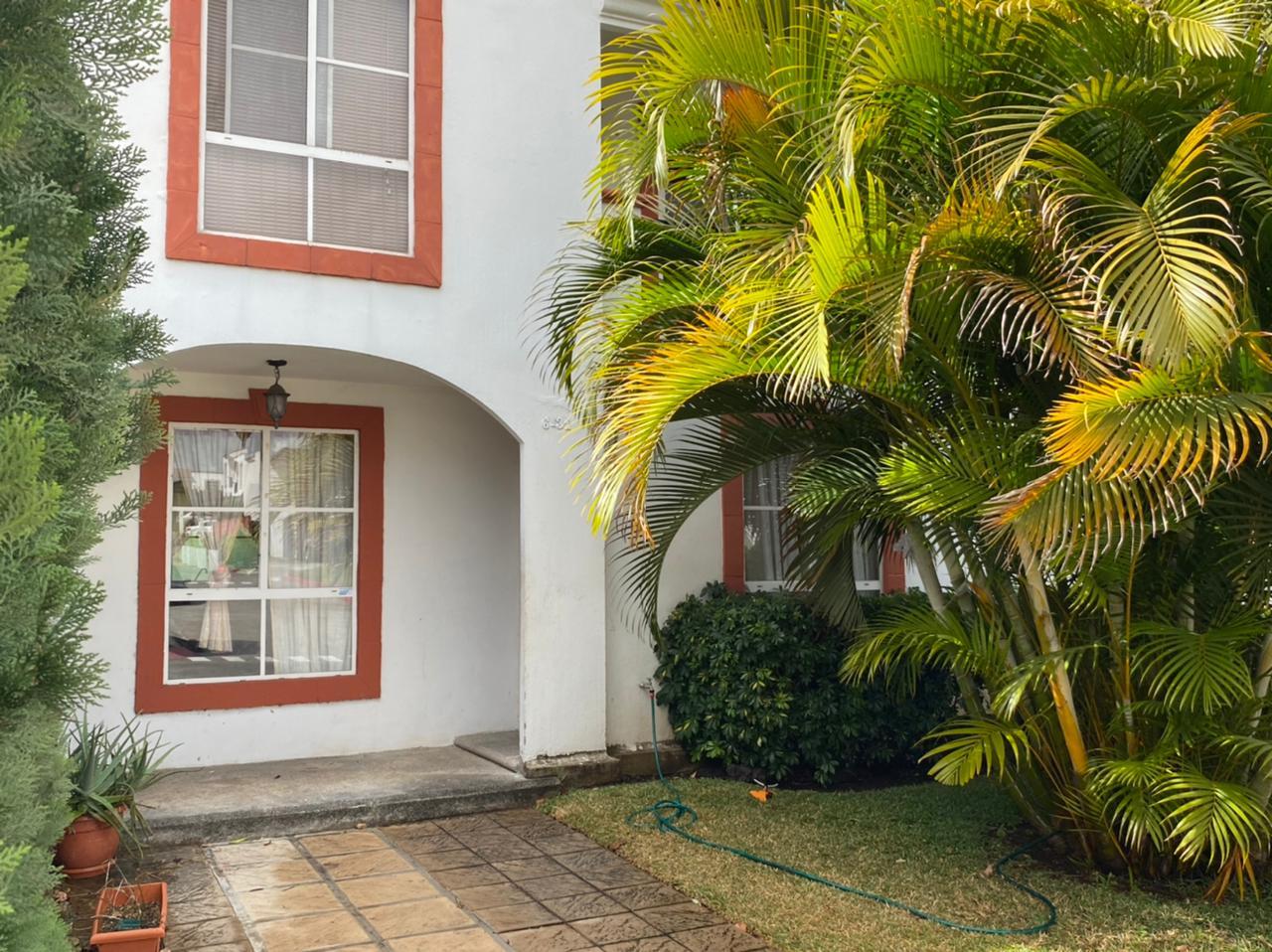 Casa en venta en Villa Nueva, condominio Alamedas de Santa Clara (precio negociable)
