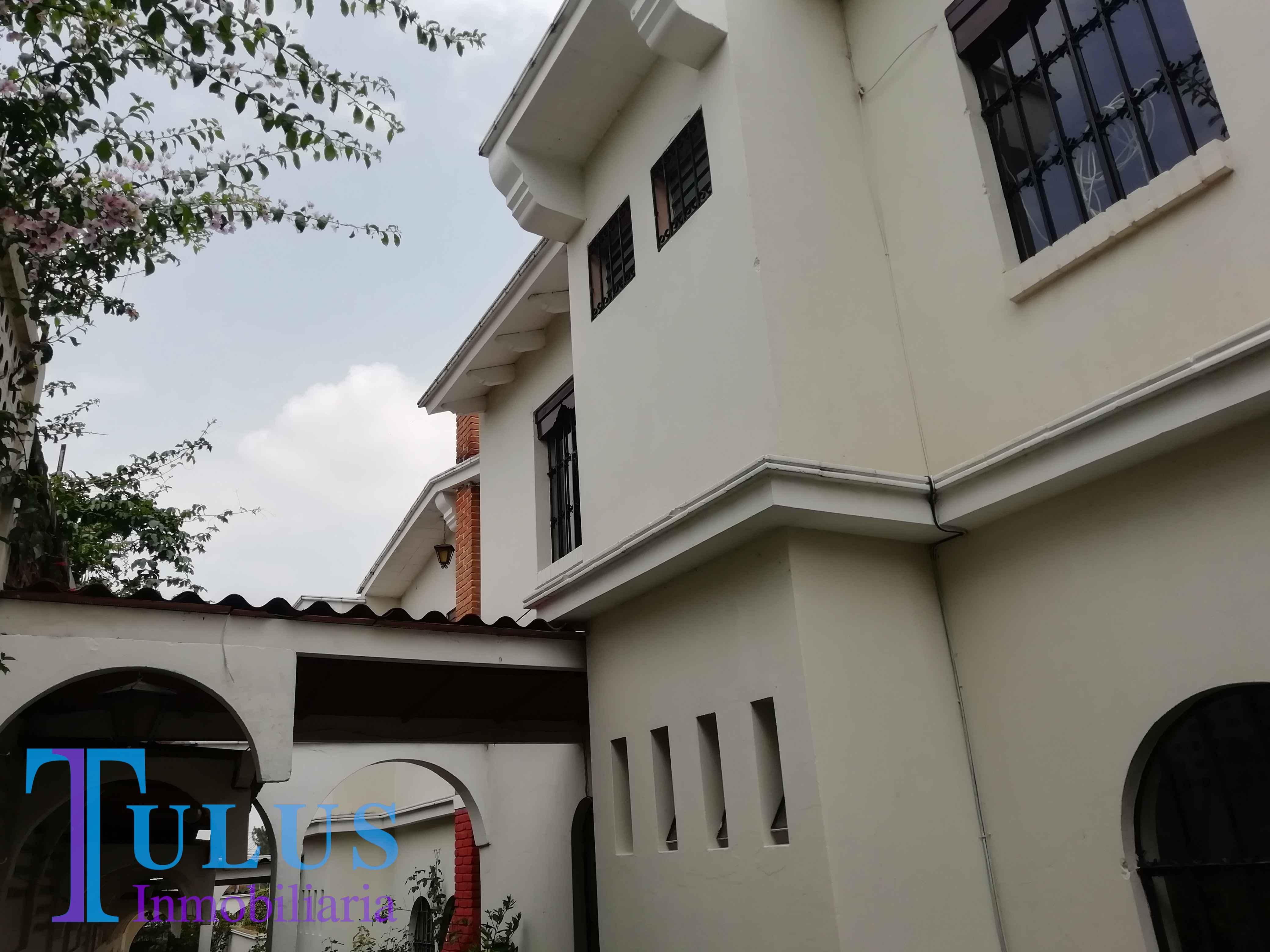 Casa en renta en zona 15