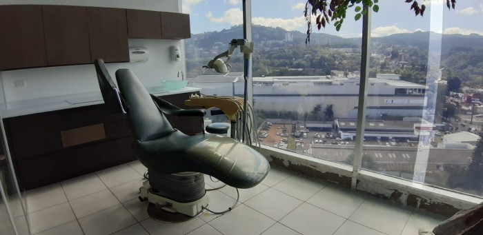 Clinica Equipada para Dentistas en Venta Zona 10