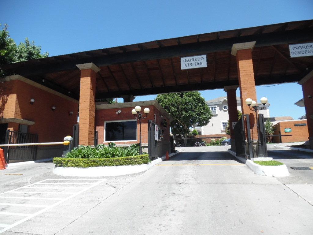 TERRENO EN VENTA EN CARRETERA A EL SALVADOR/ MUNDO INMOBILIARIO