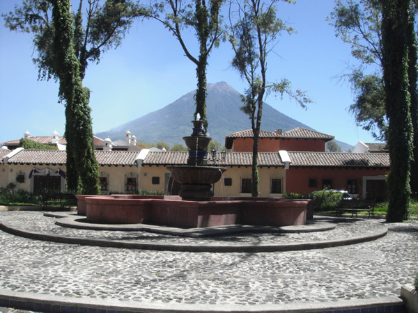 CASA EN VENTA, ANTIGUA GUATEMALA
